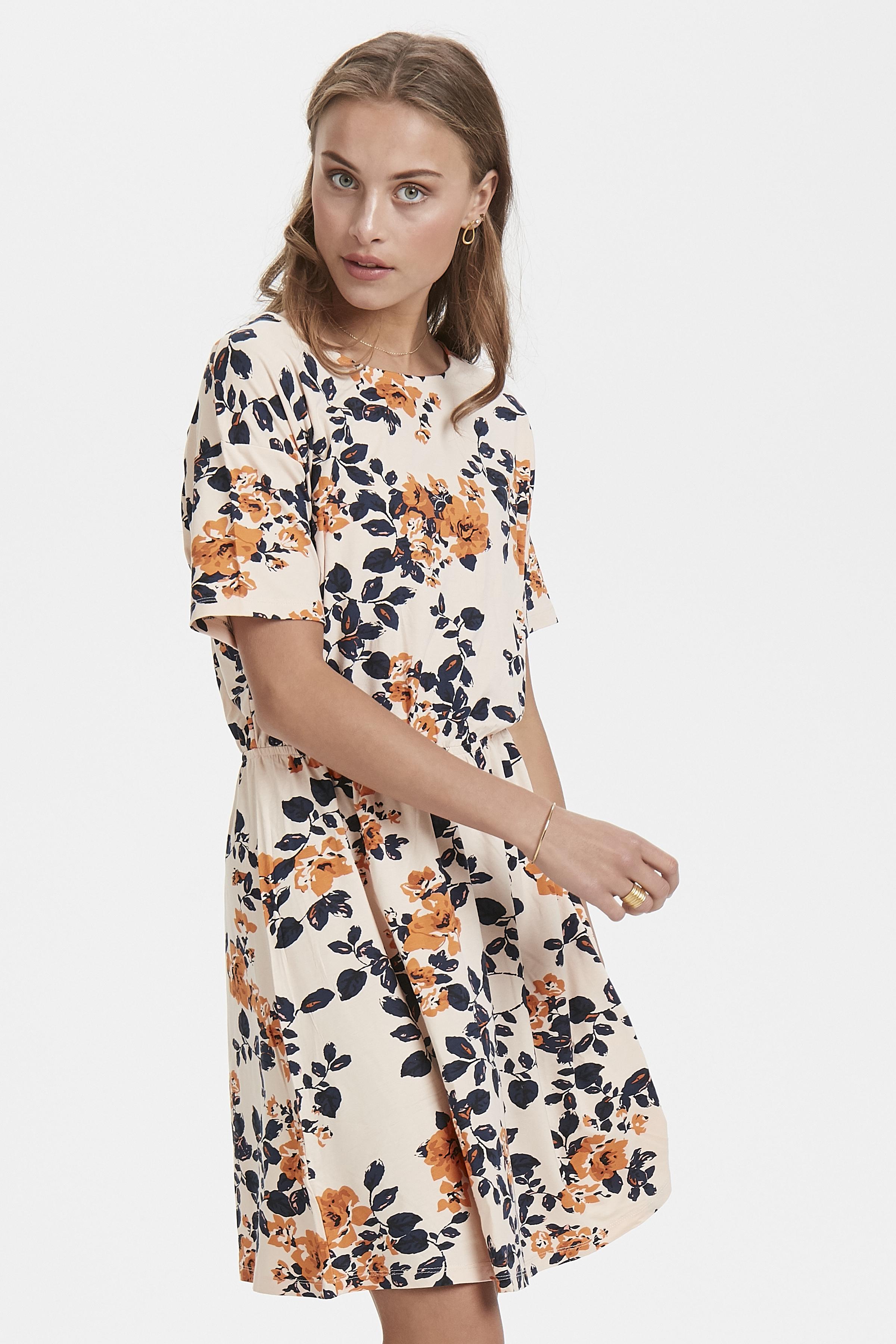 Bisque Jersey dress fra Ichi – Køb Bisque Jersey dress fra str. XS-XL her