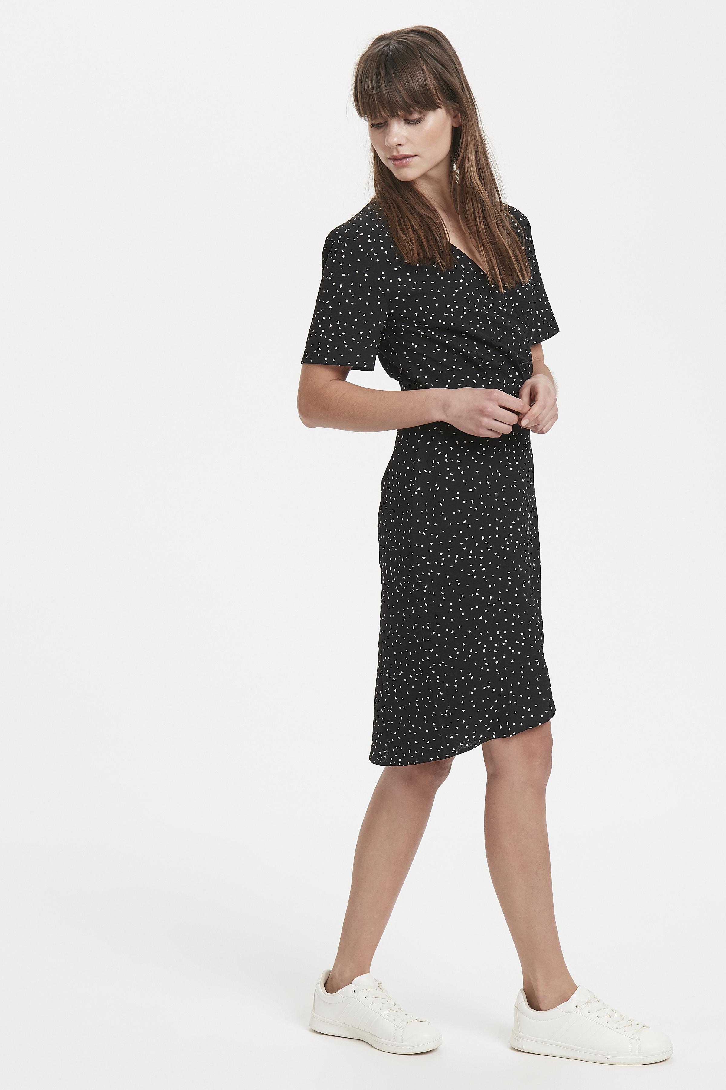 Black Dress fra Ichi – Køb Black Dress fra str. XS-XL her