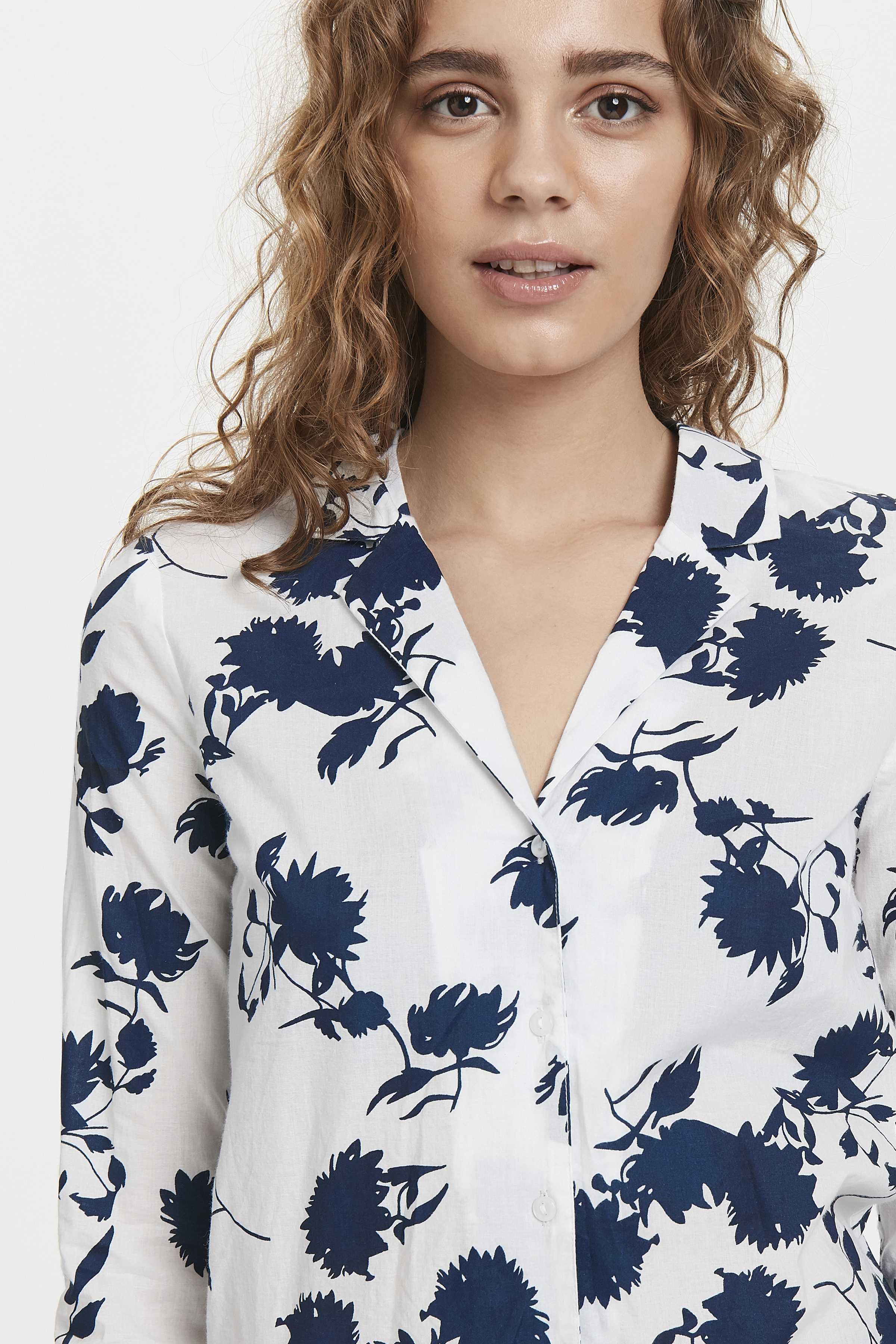Cloud Dancer print Langærmet skjorte – Køb Cloud Dancer print Langærmet skjorte fra str. XS-XL her