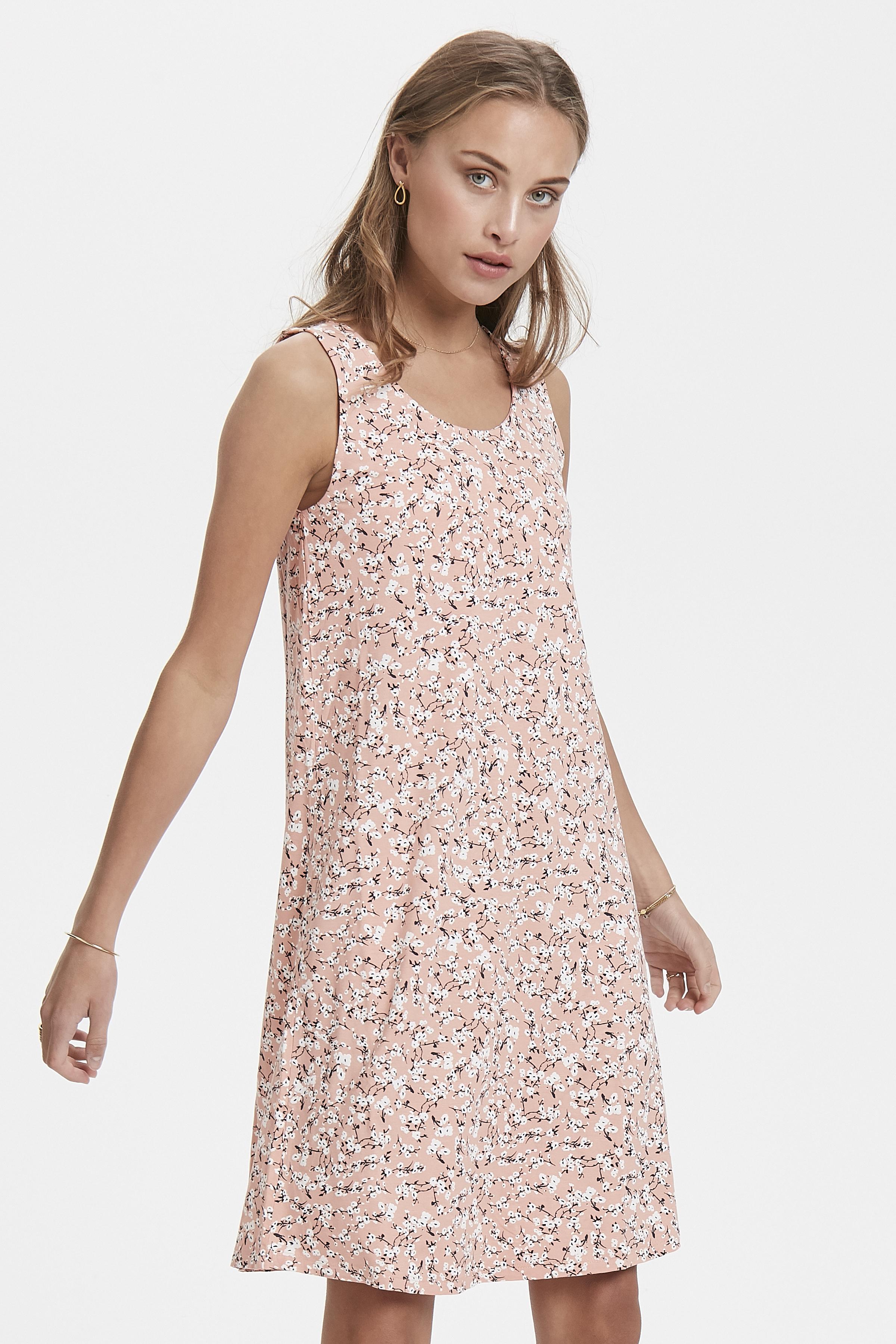Coral Almond Jersey dress fra Ichi – Køb Coral Almond Jersey dress fra str. XS-XXL her