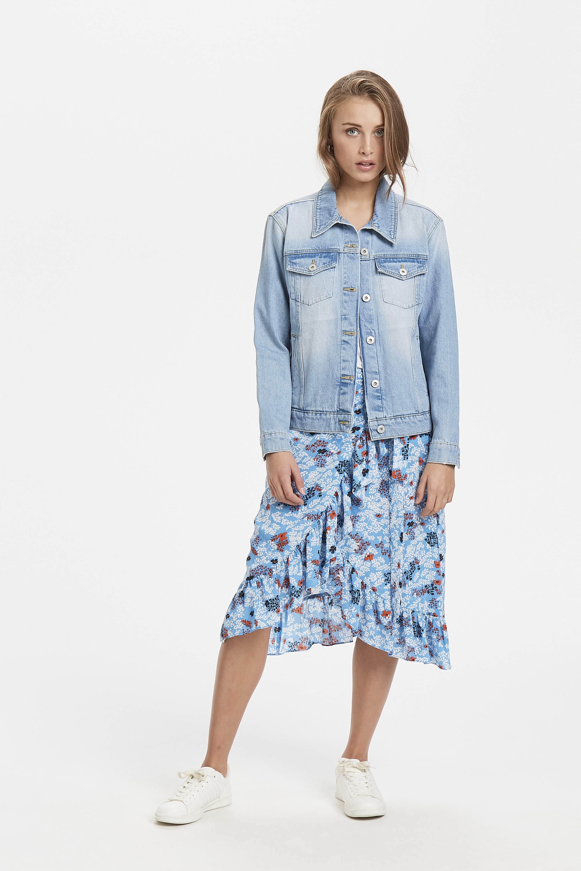 Light blue Overtøj – Køb Light blue Overtøj fra str. 34-42 her