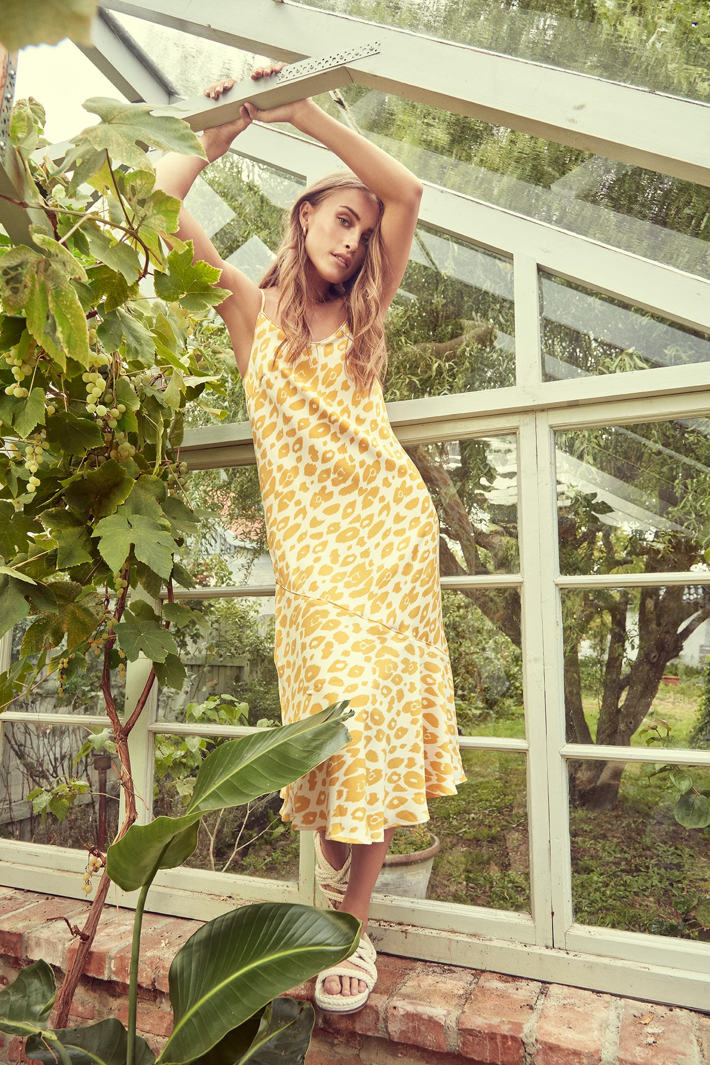 Mango Mojoti Kjole – Køb Mango Mojoti Kjole fra str. XS-XL her