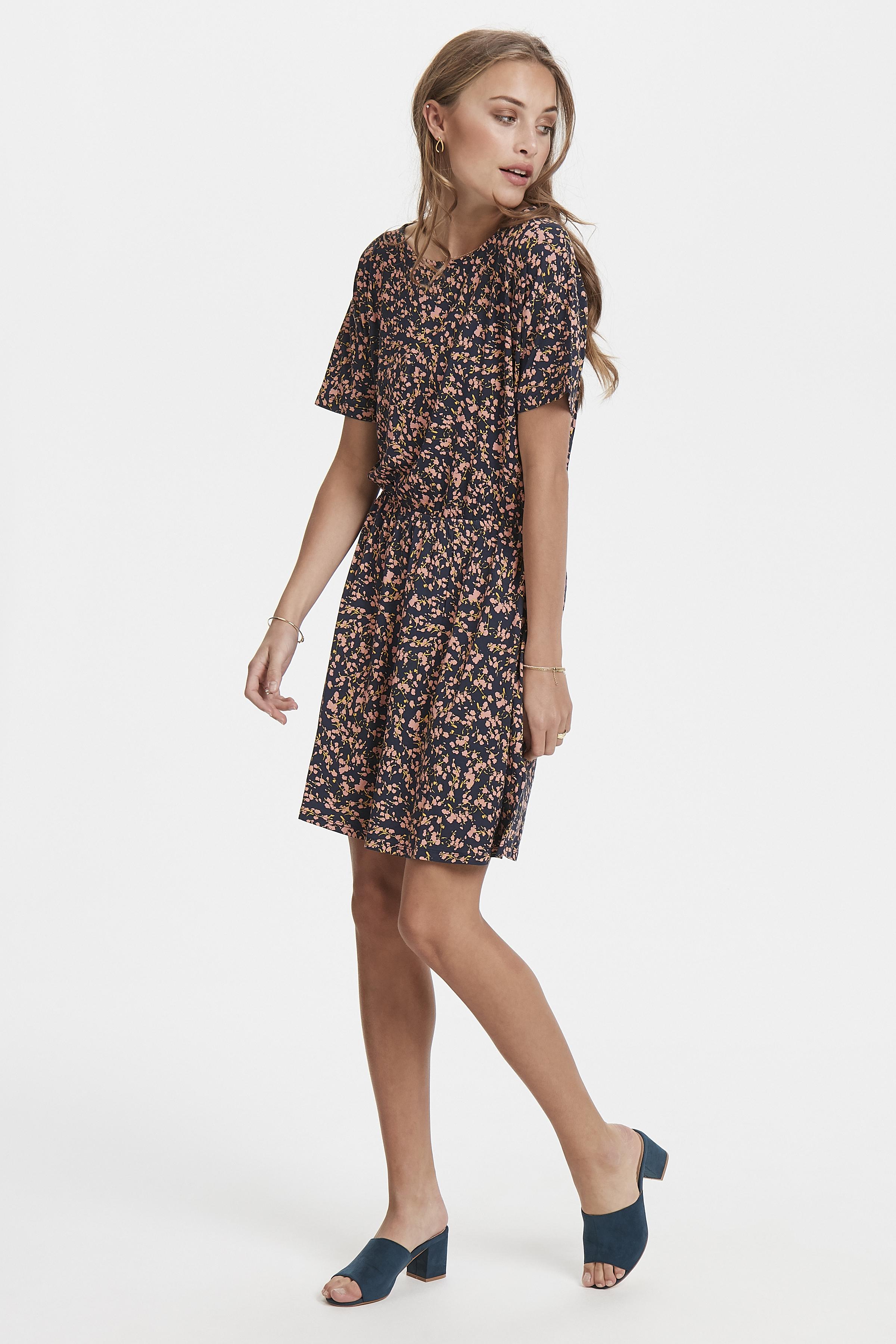 Total Eclipse Jersey dress fra Ichi – Køb Total Eclipse Jersey dress fra str. XS-XL her