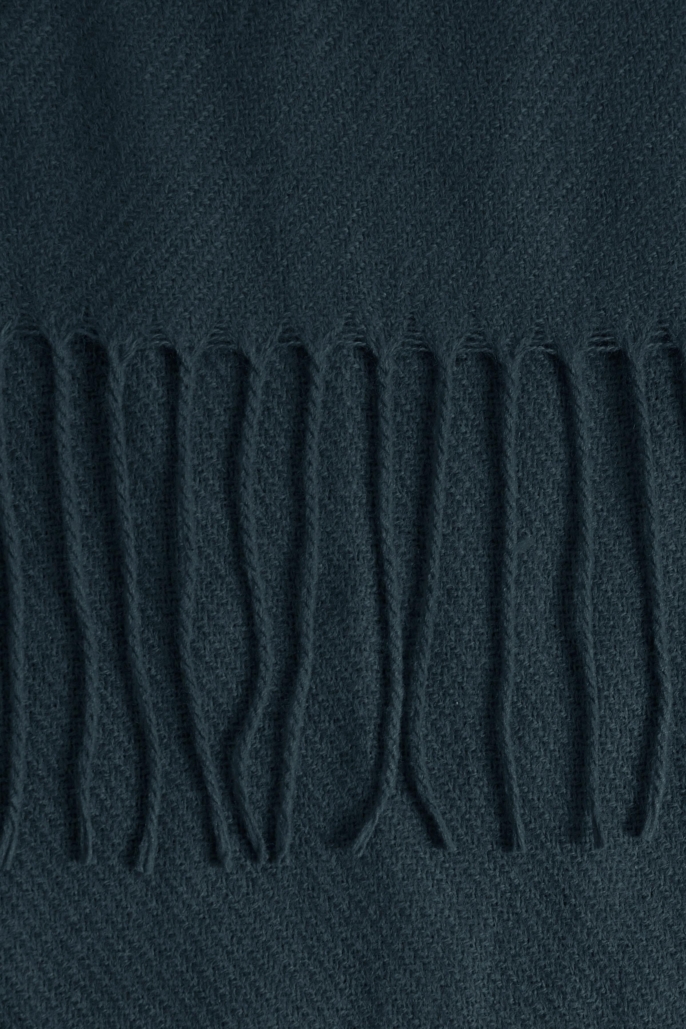 Total Eclipse Tørklæde – Køb Total Eclipse Tørklæde fra str. ONE her